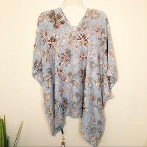 Boho   NWT Floral print kimono poncho